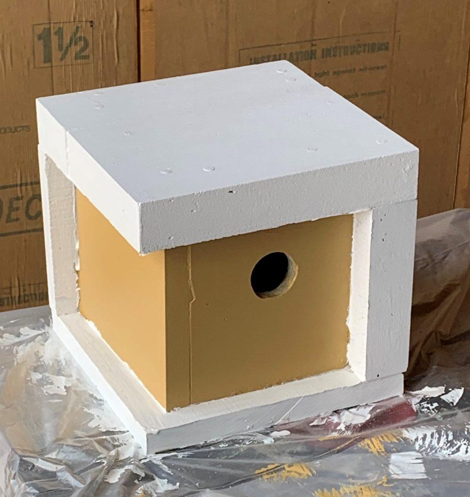 Modern-style birdhouse